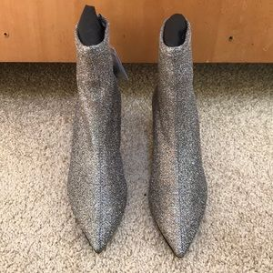 NWT! ZARA size 36/6 ankle glitter boots
